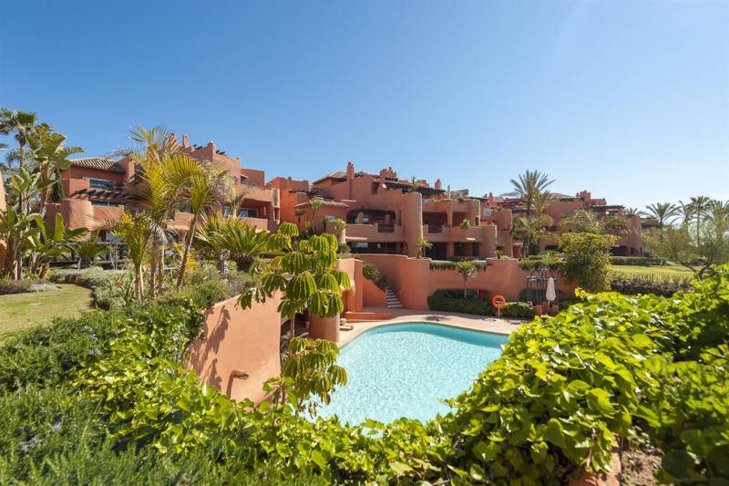 Luxury beachfront apartments for sale in Marbella